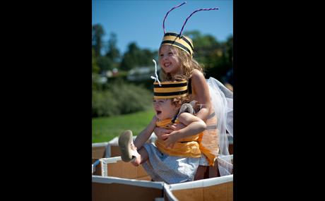 08_Honey-Weekend-Wave-Hill_V1_460x285